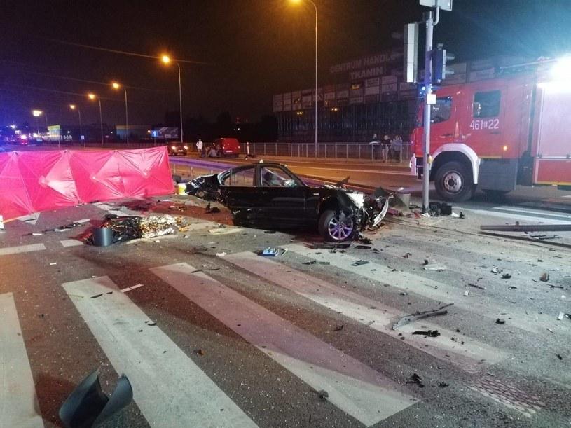 Rzgów: Tragiczny wypadek. BMW rozpadło się na dwie części. Nowe informacje /Policja