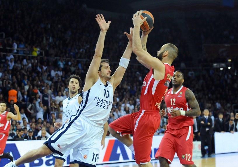 Rzuca Vassilis Spanoulis z Olympiakosu /AFP