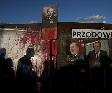 """""""Rzucanie jajkiem w Lenina"""". Protest przed Stocznią Gdańsk"""
