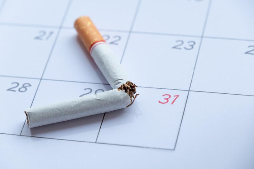Rzucenie palenia nie jest łatwe, jednak warto to zrobić – pierwsze korzyści zauważymy i odczujemy dużo szybciej niż może się wydawać /123RF/PICSEL