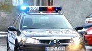 Rzucił się na policjanta z siekierą