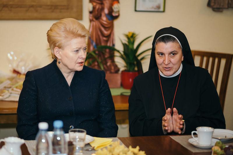 s. Michaela Rak w towarzystwie prezydent Dalii Grybauskaite /Hospicjum bł. ks. Michała Sopoćki  /