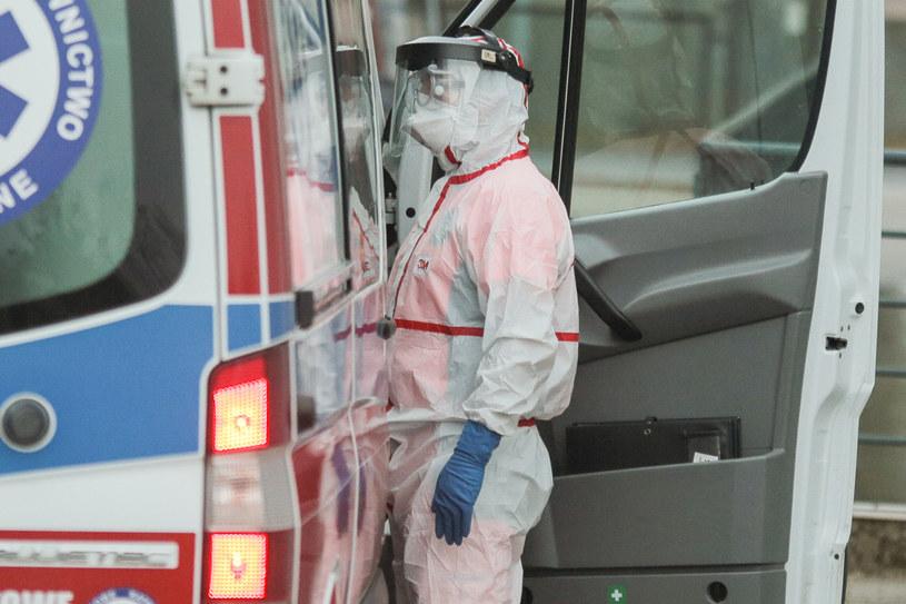 Są kolejne przypadki śmiertelne koronawirusa w Polsce /Getty Images