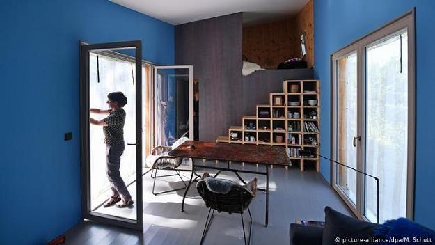 Są małe, tanie i modne. Tiny house, czyli maleńkie domki, w RFN trafiły na bardzo podatny grunt /Deutsche Welle
