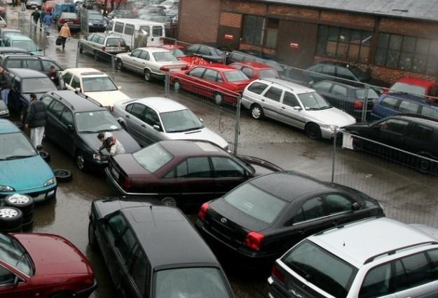 Są osoby, które posiadają nawet kilkaset samochodów / Fot: Lech Muszyński /Reporter