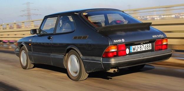 Saab 900 /Motor