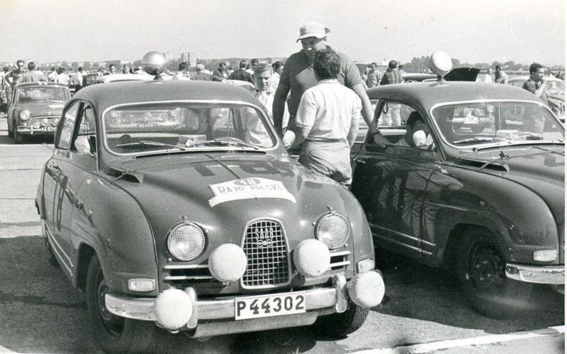 Saabem z nr rejestracyjnych P 44302 startowała Pat Moss-Carlsson, gwiazda rajdów samochodowych w latach 60. /Archiwum Tomasza Szczerbickiego
