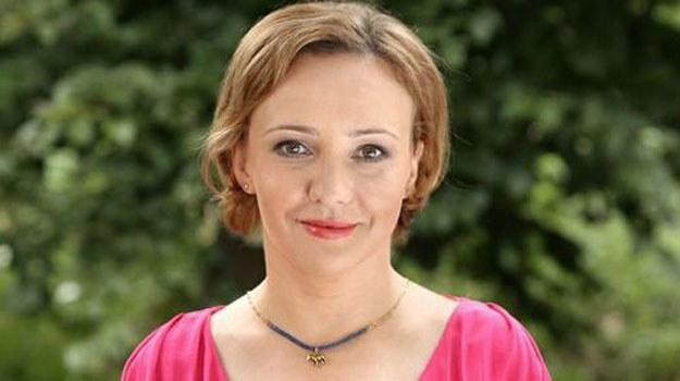 Sabina (Barbara Kurzaj) zacznie rozważać adopcję Mai /www.barwyszczescia.tvp.pl/