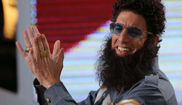 """Sacha Baron Cohen jako """"Dyktator"""" /AFP"""