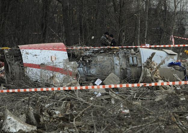 Sąd nakazał wznowić śledztwo ws. lotów do Smoleńska /AFP
