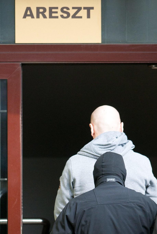 Sąd przedłużył areszt dla Igora M., pseud. Patyk /Grzegorz Michałowski /PAP