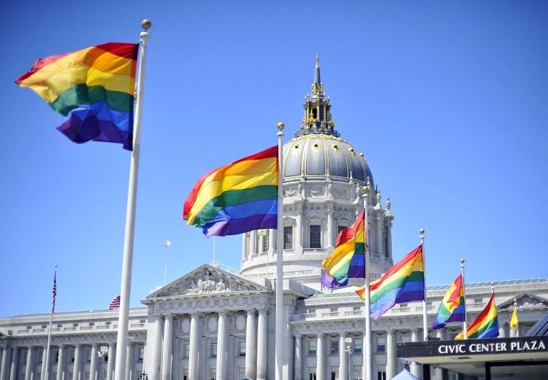 Sąd uchylił zakaz małżeństw homoseksualnych /AFP