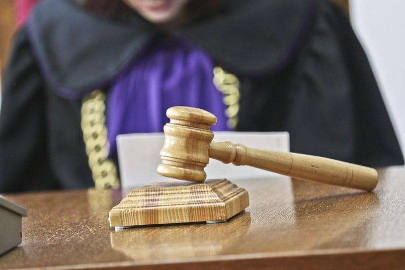 """Sąd umorzył postępowanie ws. """"Oczki"""" i """"Dudusia"""" (zdjęcie ilustracyjne) /Piotr Jędzura /East News"""