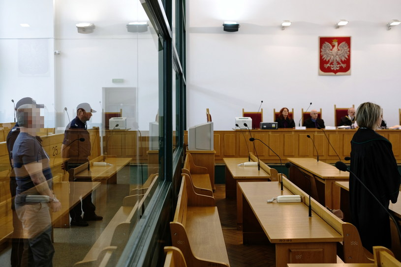 Sąd uznał Zdzisława Ł. za winnego jednego z zarzucanych mu zabójstw / Andrzej Grygiel    /PAP