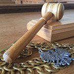 Sąd: Wina, ale bez kar w procesie o zakłócenie wystawy o gen. Andersie
