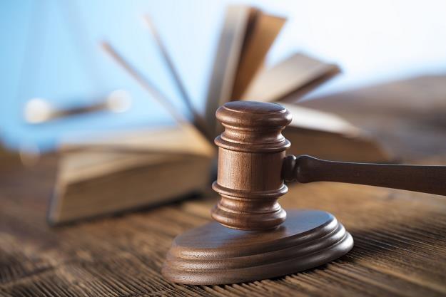 Sąd wysłał zarządcę, a ten zainwestował 54 mln zł /©123RF/PICSEL