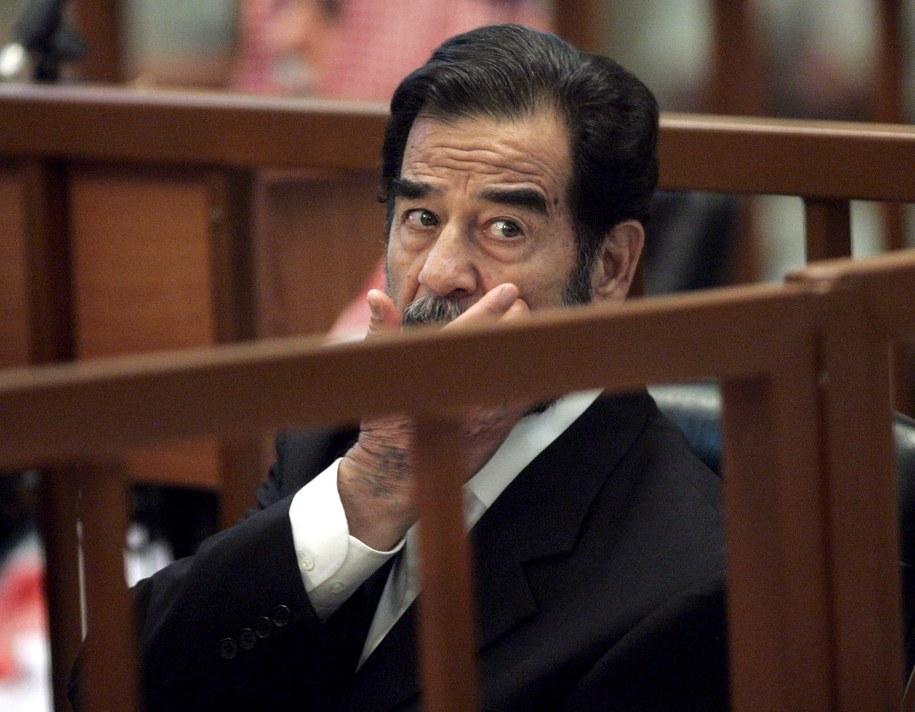 Saddam Husajn przed sądem /ERIK DE CASTRO /PAP/EPA