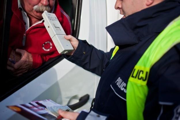 Sądy ostrzej karzą pijanych kierowców / Fot: Szymon Blik /Reporter