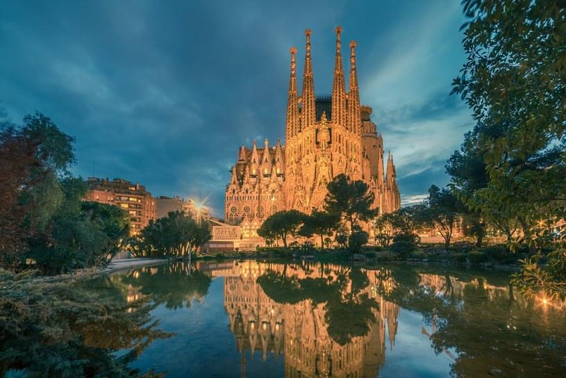 Sagrada Familia to jedna z najbardziej widowiskowych katalońskich atrakcji architektonicznych /Adobe Stock