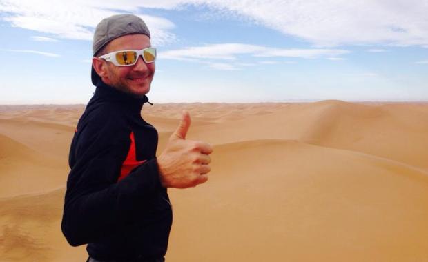 """""""Sahara? Przypomina wielką kuwetę. Ale po piasku da się jeździć rowerem"""""""