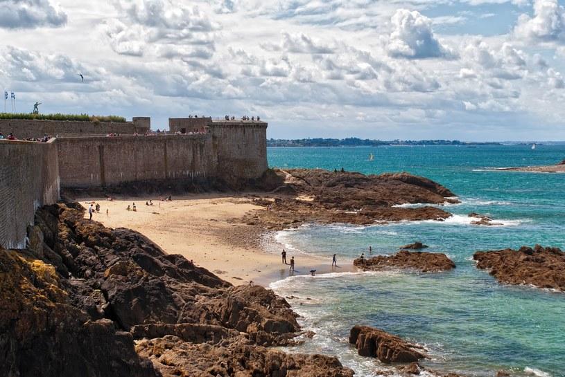 Saint-Malo to miejsca, które ma niezwykle bogatą historię /123RF/PICSEL