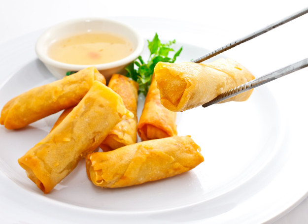 Sajgonki należą do kanonu chińskiej kuchni /123RF/PICSEL