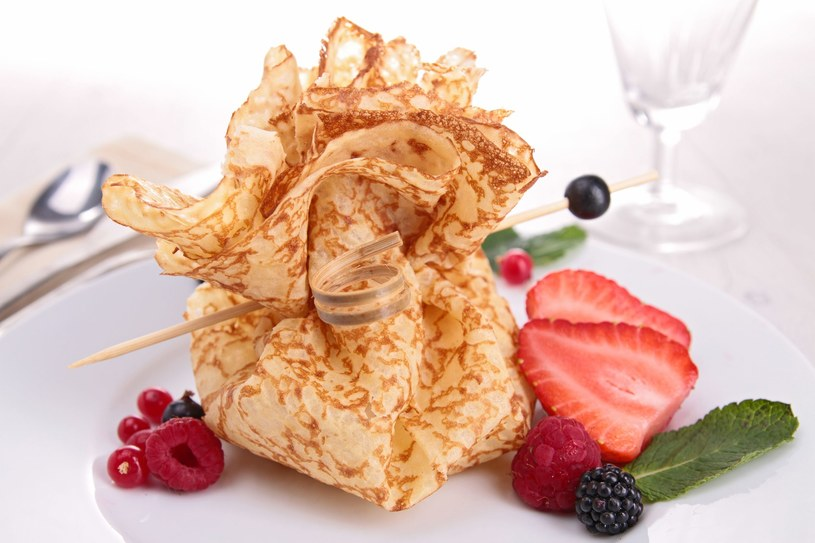 Sakiewki z serem i owocami /123RF/PICSEL