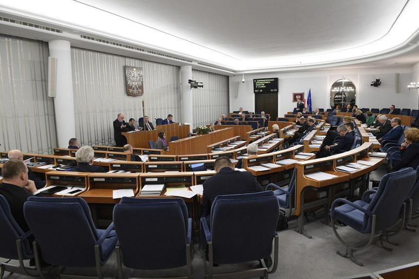 Sala obrad podczas posiedzenia Senatu /Jacek Turczyk /PAP