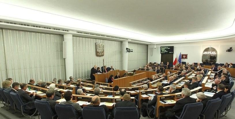 Sala obrad Senatu, zdj. ilustracyjne /Stanisław Kowalczuk /East News