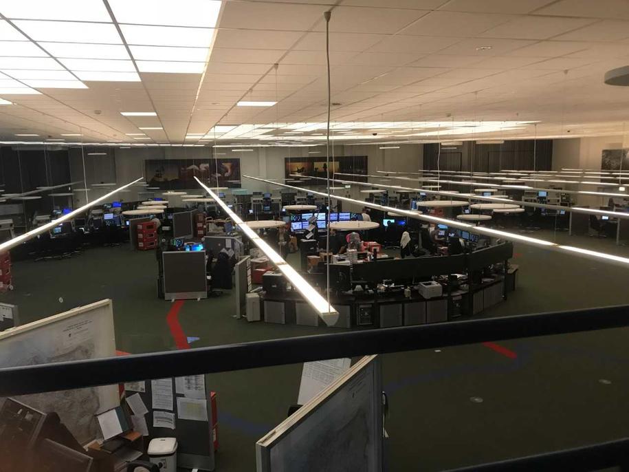 Sala operacyjna,  w której pracują kontrolerzy ruchu lotniczego Polskiej Agencji Żeglugi Powietrznej /Fot. Michał Dobrołowicz /RMF FM