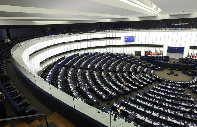 Sala plenarna PE, zdj. ilustracyjne /STANISLAW KOWALCZUK /East News