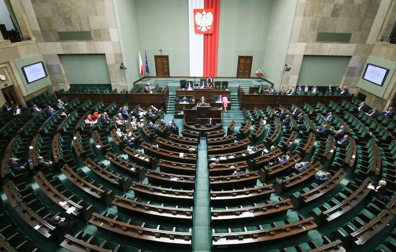 Sala plenarna Sejmu, zdj. ilustracyjne /PAP/Paweł Supernak /PAP