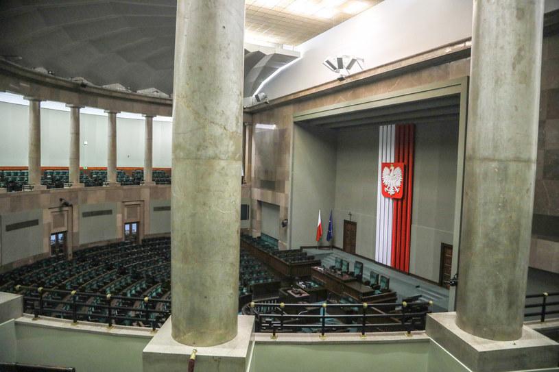 Sala plenarna Sejmu; zdj. ilustracyjne / Jakub Kamiński    /East News
