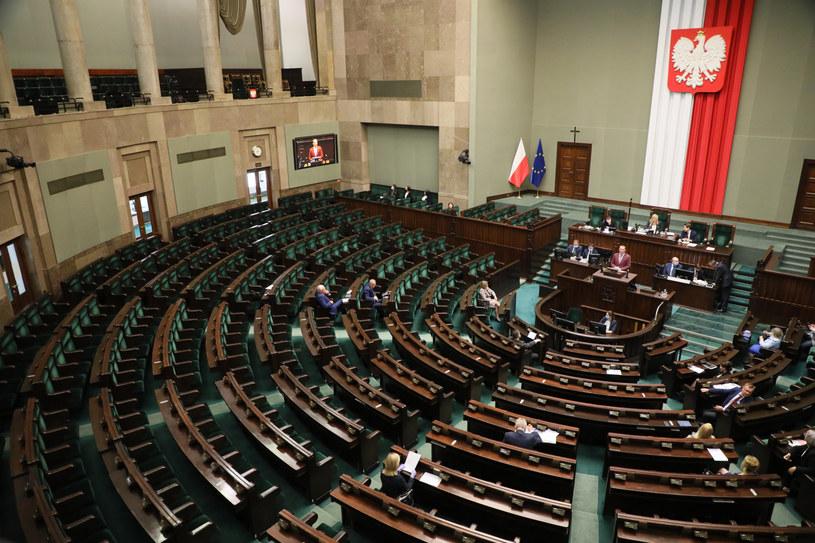 Sala plenarna Sejmu / Jakub Kamiński    /East News
