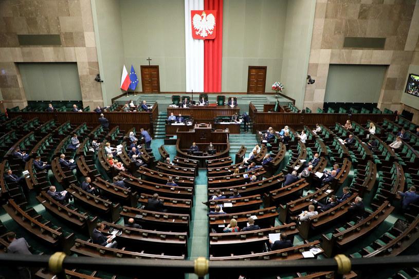 Sala plenarna w Sejmie; zdj. ilustracyjne /Jakub Kaminski/ /East News