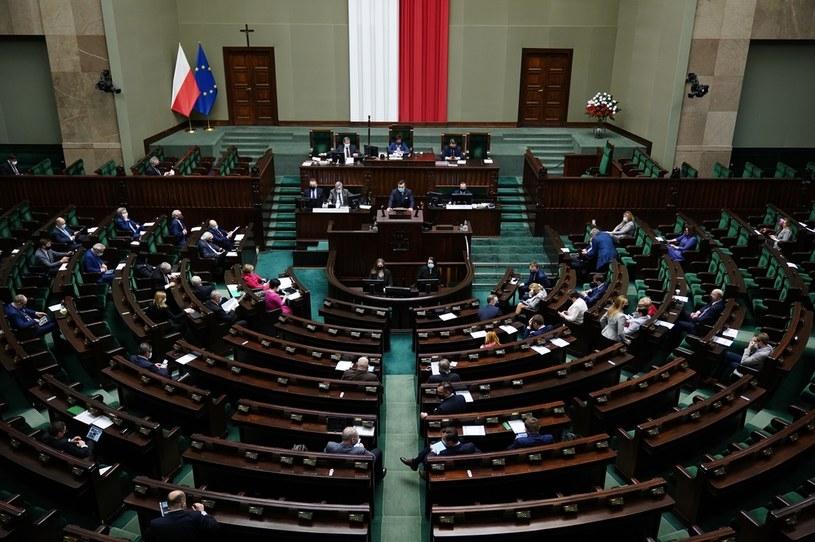 Sala plenarna w Sejmie, zdjęcie ilustracyjne /Mateusz Wlodarczyk /Agencja FORUM
