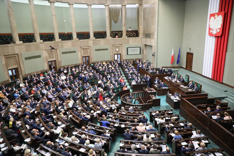 Sala posiedzeń Sejmu, zdj. ilustracyjne /Piotr Molecki/East News /East News