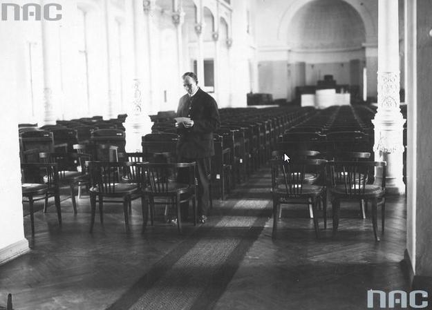 Sala posiedzeń Senatu II Rzeczpospolitej /Z archiwum Narodowego Archiwum Cyfrowego