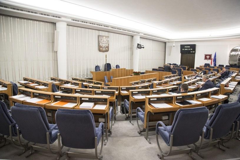 Sala przed posiedzeniem Senatu /Maciej Luczniewski/REPORTER /East News
