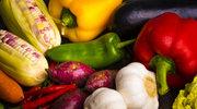 Sałata z kukurydzą, imbirem i kolendrą