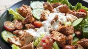 Sałatka indyjska z kurczakiem