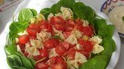 Salatka pelna omega 3: losos, makaron, sos jajeczny