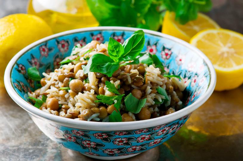 Sałatka ryżowa /123RF/PICSEL