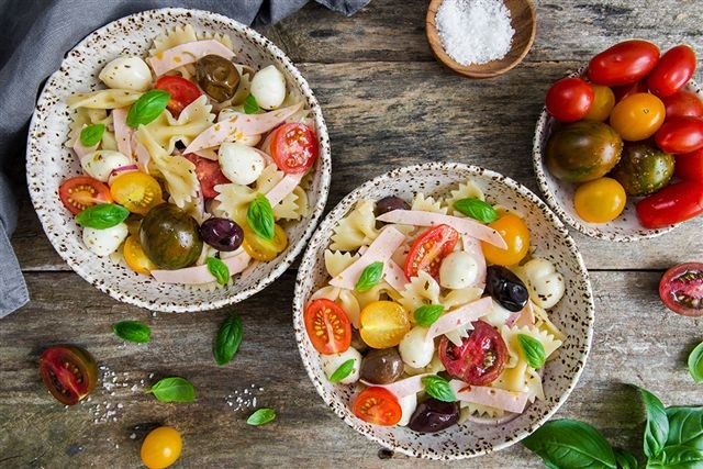 Sałatka wegetariańska /materiały prasowe