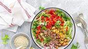 Sałatka z kaszą i warzywami