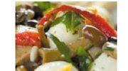 Sałatka z mozzarelli i marynowanych grzybków