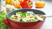Sałatka z pęczakiem i brokułem