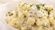 Sałatka z wędzoną rybą i ziemniakami
