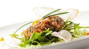 Sałatka z wędzonym łososiem i rzodkiewkami