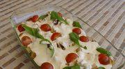 Sałatka ze szpinakiem, suszonymi pomidorami i boczkiem